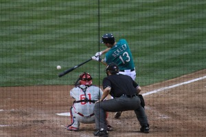 Dustin_Ackley_makes_contact_(5844776240)